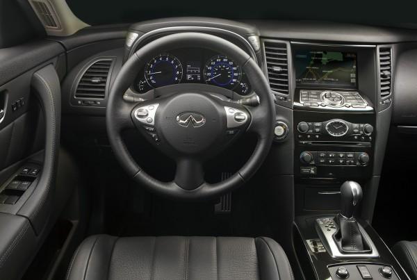 2013 Infiniti FX interior