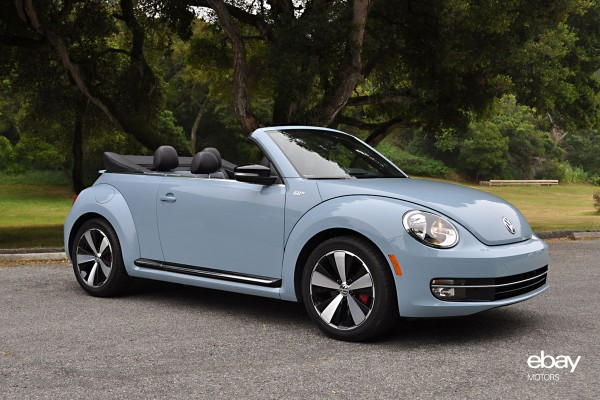 review 2013 vw beetle convertible vs 2013 fiat abarth cabrio ebay motors blog. Black Bedroom Furniture Sets. Home Design Ideas