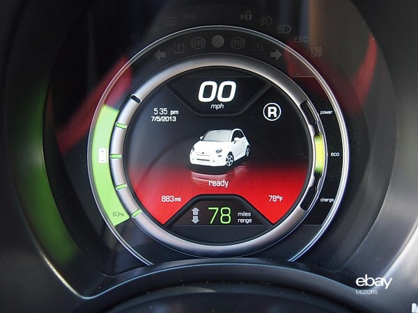 2013 Fiat 500e information display
