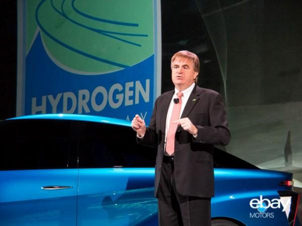 Bob Carter announces Toyota plans for fuel cell car