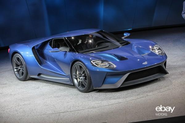 Ford Gt Debut At  Naias