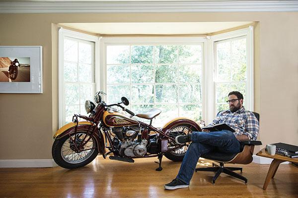 Contest Motorcycle Livingroom 600