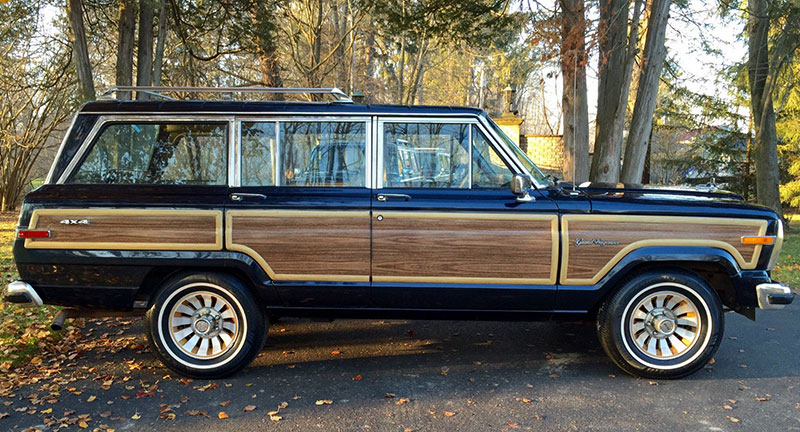 Clean, classic lines, found on this 1991 Grand Wagoneer Grand, dominate the vehicle's styling.